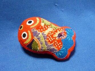 江戸縮緬のブリキの金魚 置物 ブローチの画像