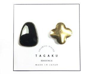 TE-34 磁器タイルのイヤリングの画像