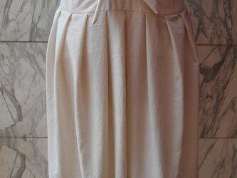 裾刺繍リボン結びタックスカート 7の画像
