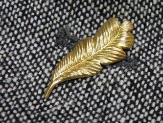 真鍮ブラス製 ミニフェザー型ピンズブローチ ジャケットやハットの飾りとしての画像