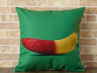クッションカバー 45×45cm 北欧柄 ストロベリーバナナ jubileecushionkw001の画像