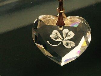 クリスタルハートのクローバーペンダントトップ〜手彫りガラス〜の画像