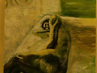 昼間の光の中の裸夫の画像