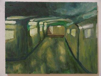 雨の日の地下道の画像