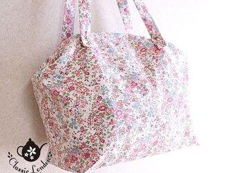 リバティ 小花柄の大き目軽量バッグ*一泊旅行にもの画像