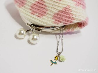 編みがま口【ホワイト×ピンクのハート】の画像