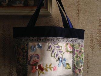 フランス刺繍生地&リボン 帆布 パッチワークトートバッグの画像