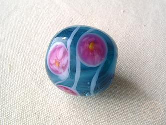 とんぼ玉 花模様マリンブルーの画像