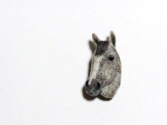 馬のブローチ ラニの画像