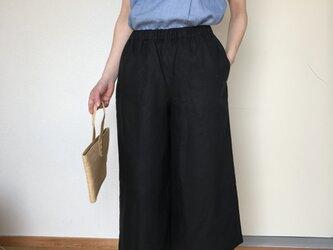 リネンのワイドパンツ  ブラック 8分丈の画像