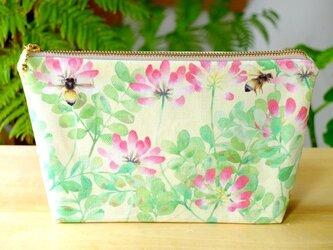 「れんげと蜜蜂」オリジナル柄の手作り小物ポーチの画像