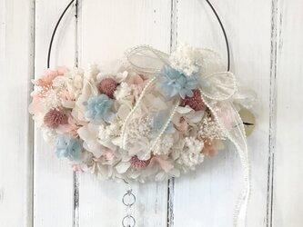 リボンとお花のハーフムーン*リースの画像