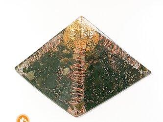 [受注制作]浄化と創造のピラミッド フラワーオブライフ 黄金比 オルゴナイトの画像