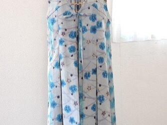 着物リメイク:銘仙のロングベスト(ブルー・グレー)の画像