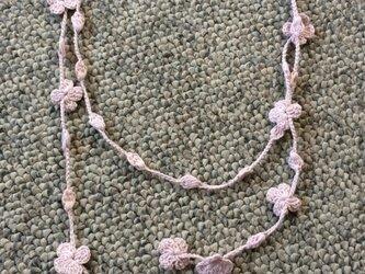 夏糸の花と玉のラリエット  桜色の画像