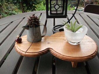 ひょうたん型ミニテーブルの画像