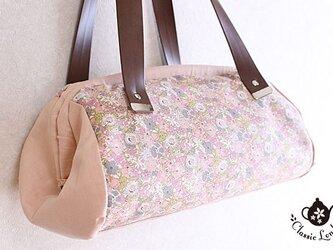 リバティ 蝶よ花よ*ぷっくりシルエットのバッグの画像