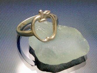 りんごの指輪の画像
