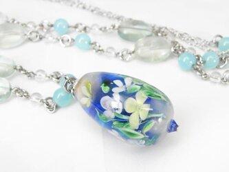 水中花のネックレスの画像