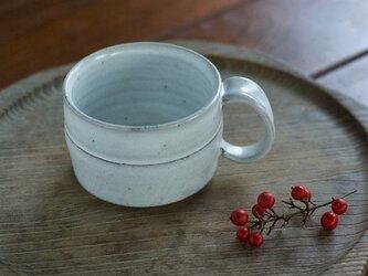 広口の白釉コーヒーカップの画像