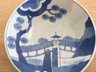 楼閣山水文平鉢の画像