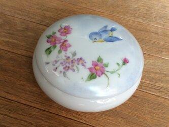 青い鳥とお花、の小物入れの画像