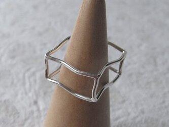 四角のリングの画像