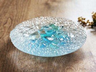 ガラスのアクセサリートレイ -「 KAKERAの光 」 ● ターコイズブルー・12cmの画像