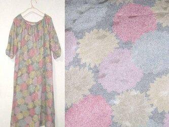 Sold out着物リメイク♪春色菊が沢山小紋スモックワンピース♪春の画像