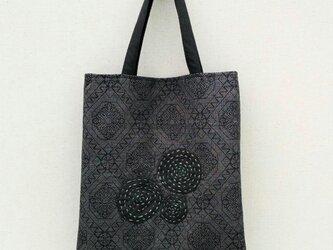 大島紬と刺し子の手提げ袋の画像