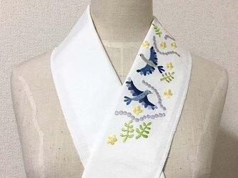 刺繍半襟・青い鳥の画像