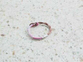 RSMオリジナル 間々田紐 レザー×組紐ブレスレット(ピンク)の画像