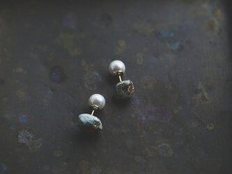 Oya stone color ピアス(ゴールド)の画像