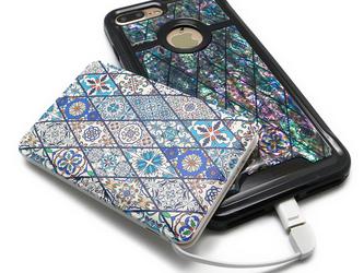 iPhoneケース&モバイルバッテリー お揃いセット (ブルーモロッコタイル・ブラックタイプ)の画像