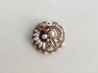 金銀真珠のブローチの画像