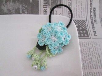 お花ヘアゴム:白×水色の画像