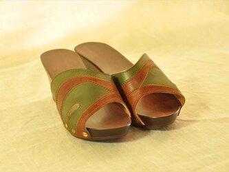 レディース木靴サンダル S22.5cm<緑&茶>の画像