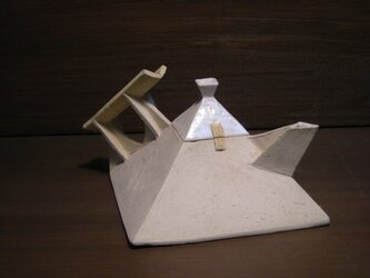 pyramid pot flower baseの画像