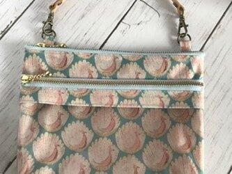 透明ビニールポケット付きスマホポーチ ピーコックス・オブ・グランサムホールの画像