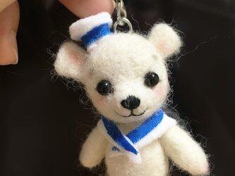 羊毛フェルト子熊の画像