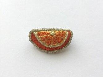 オレンジ - ブローチの画像