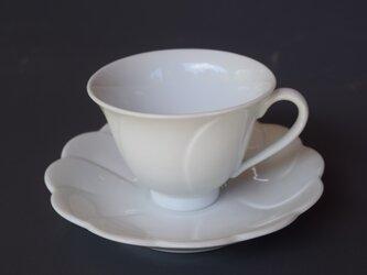 有田焼 博泉窯 白磁花型コーヒー碗 シンプル きれいな白磁 贈り物 ギフトの画像