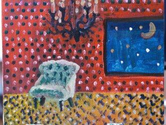 星が見えるシャンデリアのある部屋の画像