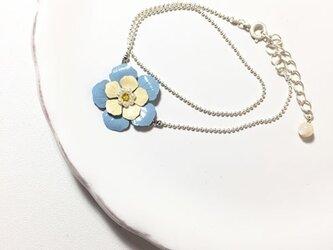 青いお花の2連ブレスレット シルバーの画像