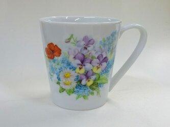 花束のマグカップ(手描き)の画像