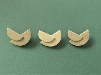 木製のシンプルブローチ tier series No.3 (br003)の画像