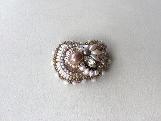 no.2 金銀真珠のブローチの画像