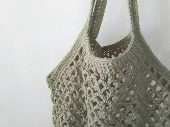 ネット編みのグラニーバッグ…グラスグリーン…の画像