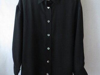 黒シルクデシンのシャツ(1)の画像