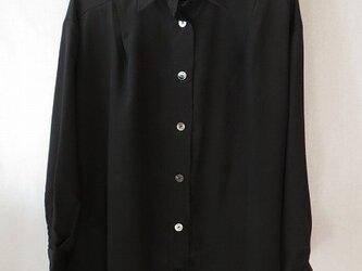 黒シルクデシンのシャツ(2)の画像